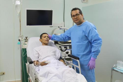 Paciente Juan F. Serrano y Dr. Carlos Tuñón